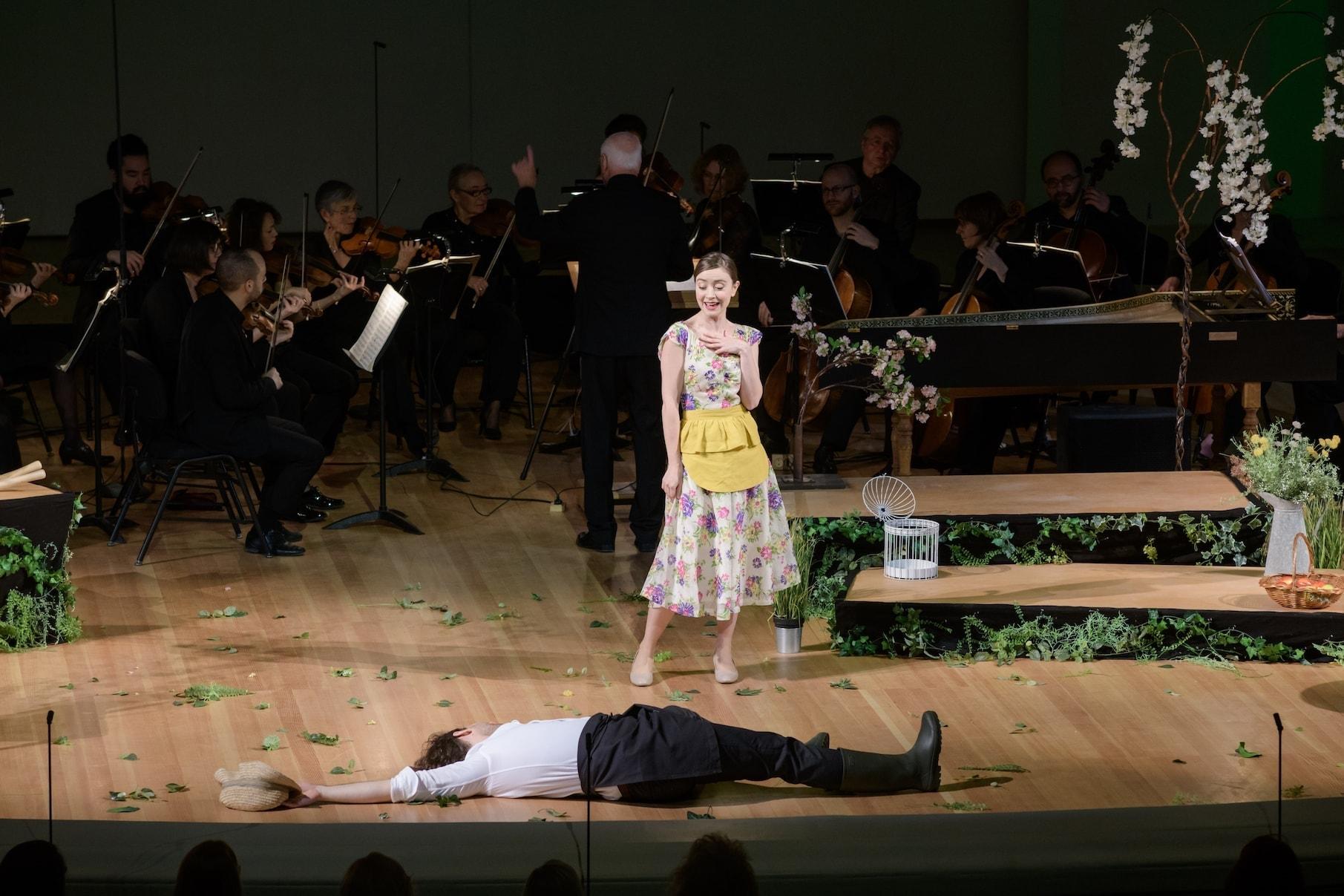 Опера Моцарта «Мнимая садовница». Серпетта - Лорен Лодж-Кэмпбелл, Роберто - Сретен Манойлович. Фото - пресс-служба МГАФ
