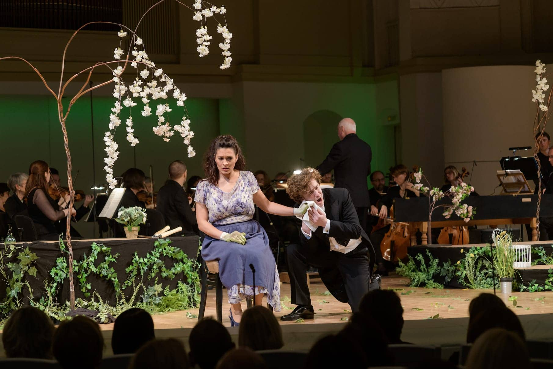 Опера Моцарта «Мнимая садовница». Виоланте - Мариасоле Майнини, Анкизе - Рори Кавер. Фото - пресс-служба МГАФ