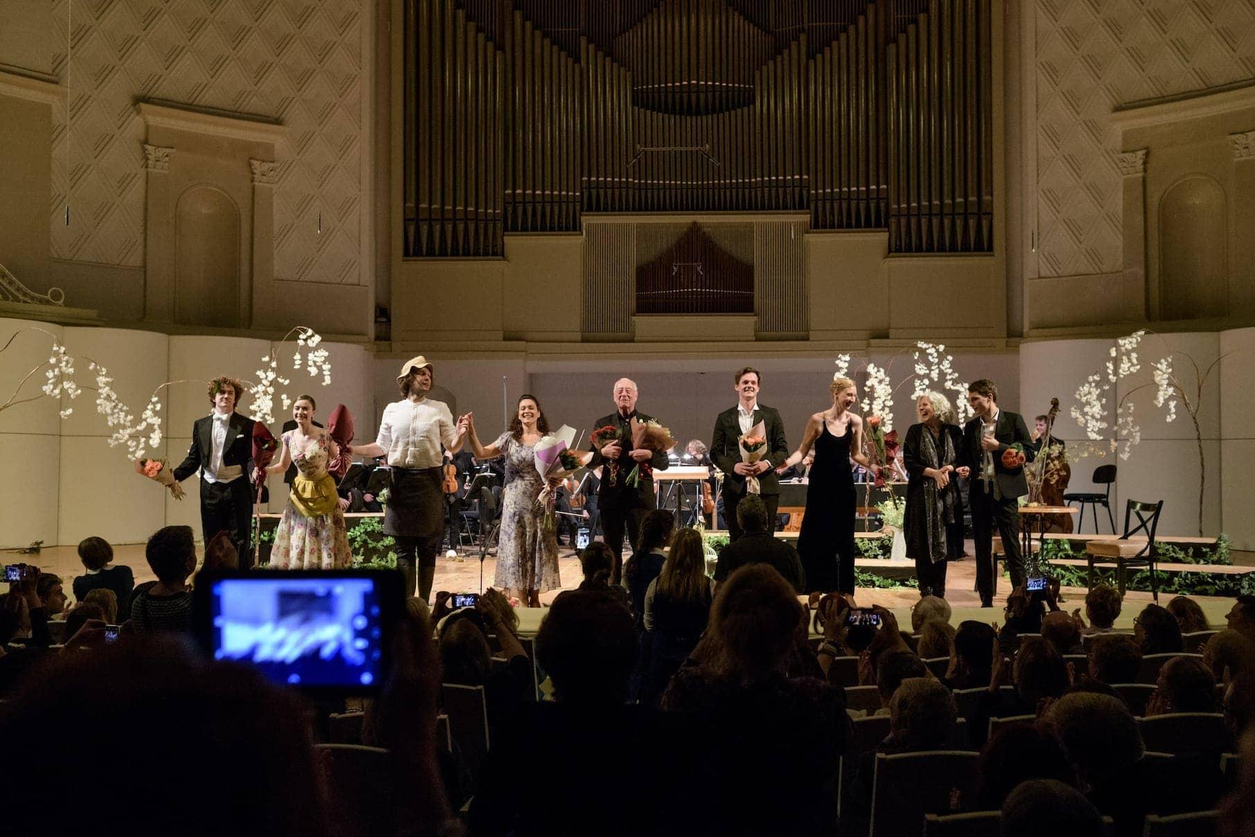 Опера Моцарта «Мнимая садовница». «Les Arts Florissants» и академия молодых певцов «Le Jardin des Voix». Дирижёр — Уильям Кристи. Фото - пресс-служба МГАФ