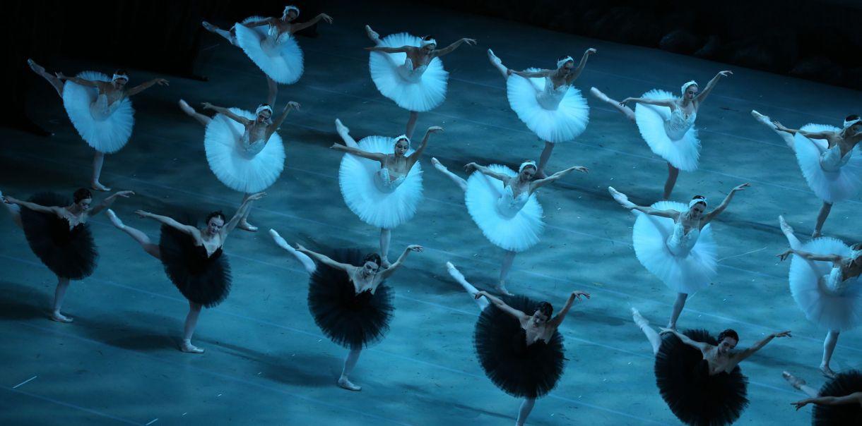 "Сцена из балета ""Лебединое озеро, Мариинский театр. Фото - Наташа Разина"