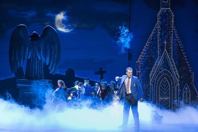 Сена из оперы Джеймса Рейнольдса «Рыцарь-призрак» («Geisterritter»). Фото - Thilo Beu