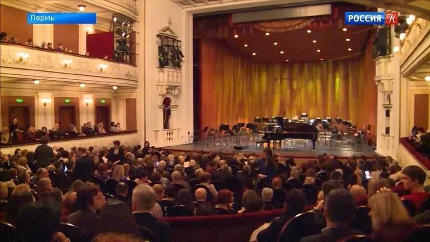 Новая акустическая ракушка появилась в Пермском театре оперы и балета