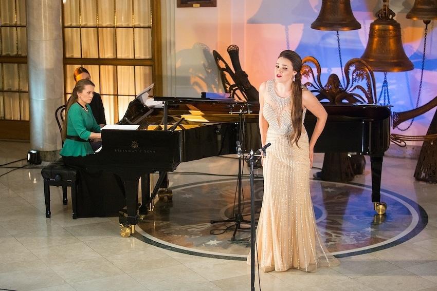 Полина Шамаева, Анна Ситникова (фортепиано). Фото - Даниил Кочетков / Новая опера