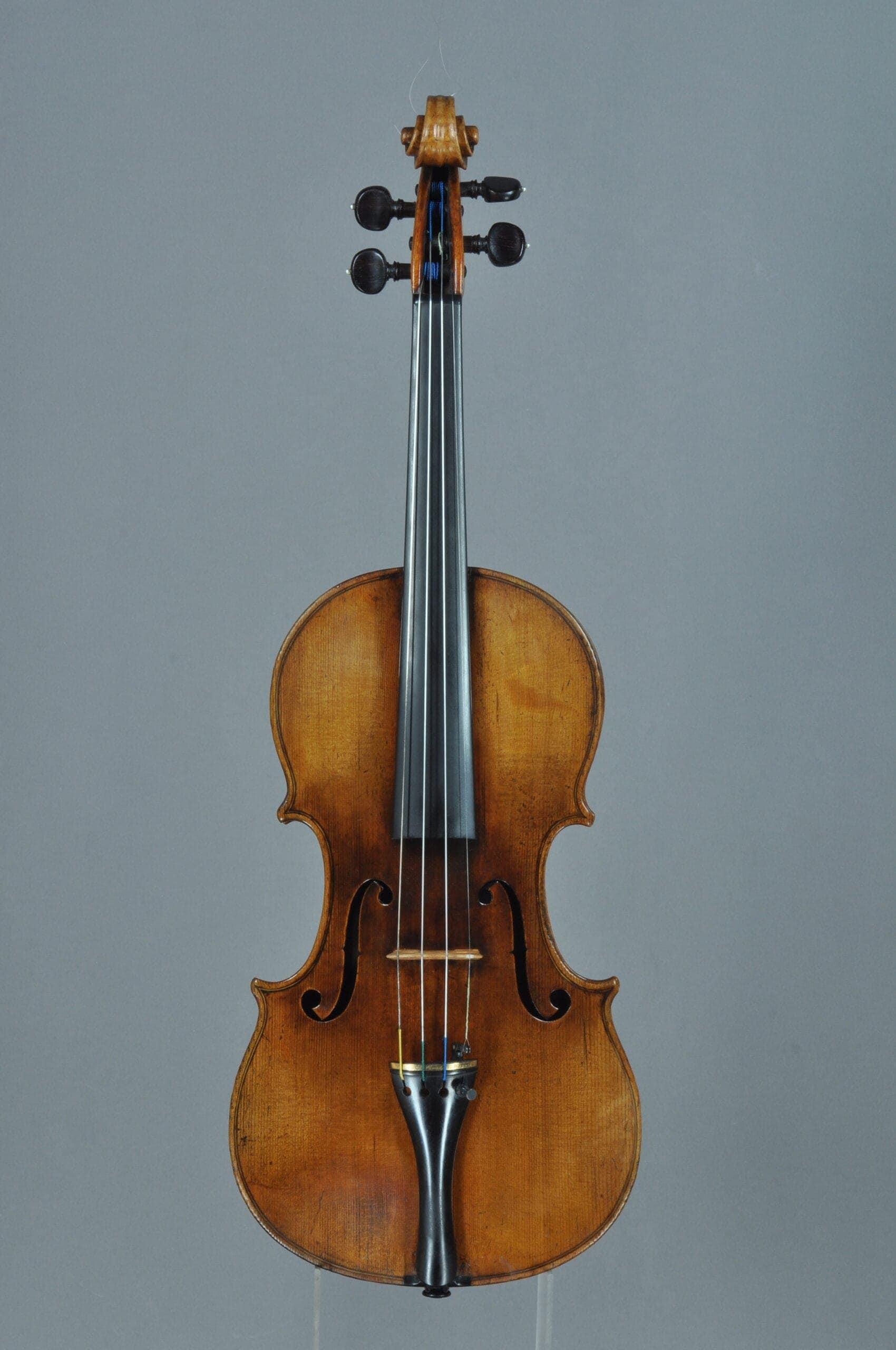 Скрипку Моцарта не привезут на родину Чайковского