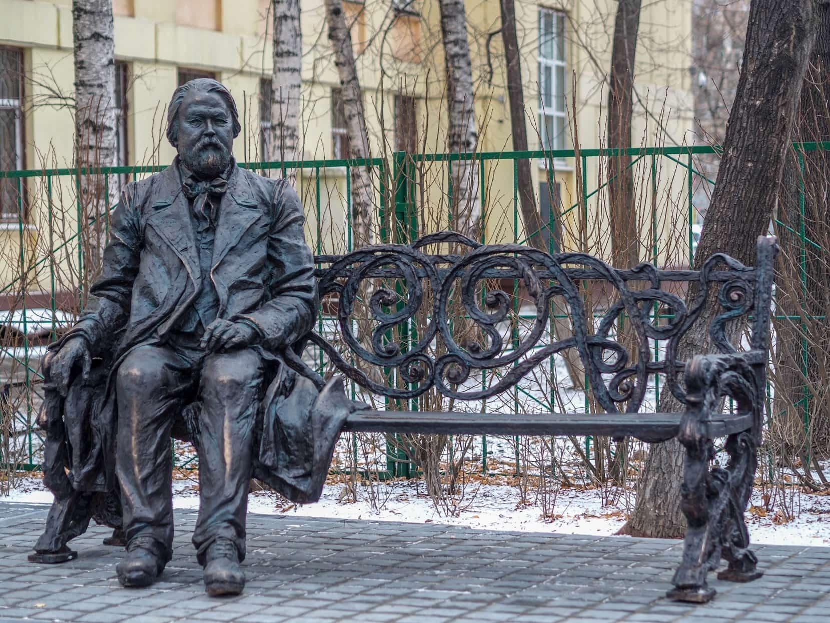 Памятник М. М. Ипполитову-Иванову – подарок скульптора Айдына Зейналова