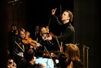 Теодор Курентзис и MusicAeterna 17 мая дадут онлайн-концерт. Фото - Антон Завьялов