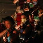 Музыканты сомневаются в возможности социального дистанцирования на сцене и не готовы носить маски. Фото - Наталья Федосеенко