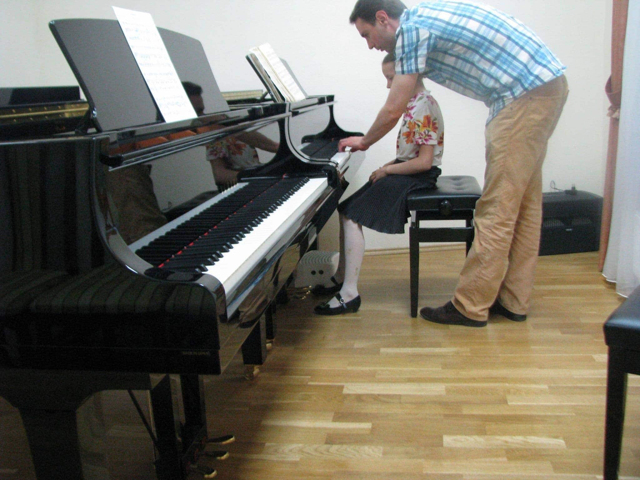 Константин Чавдаров с ученицей