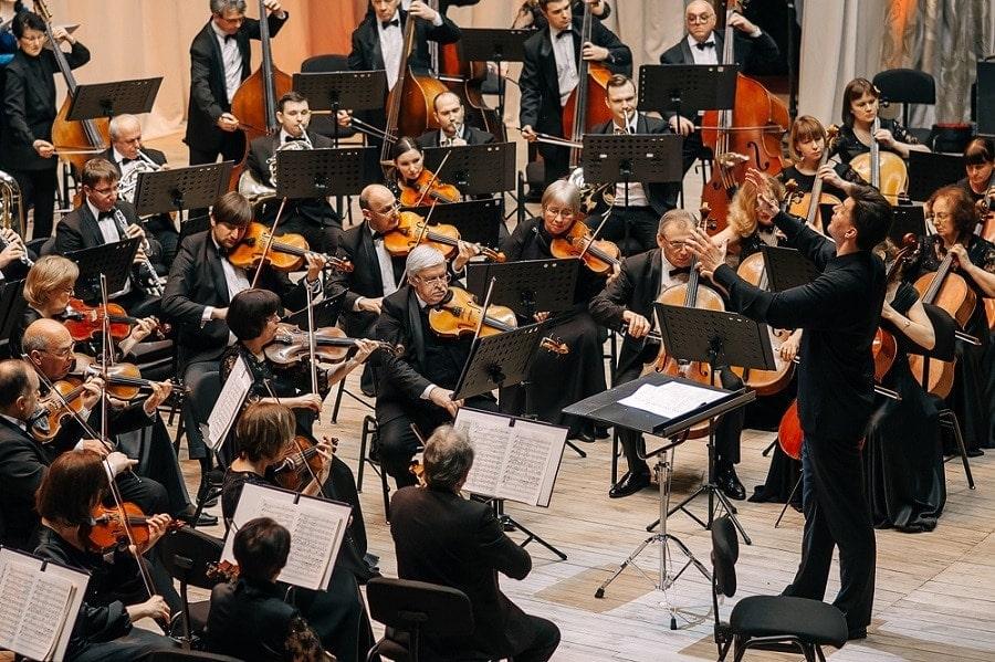 Илья Дербилов и Ульяновский государственный академический симфонический оркестр «Губернаторский»