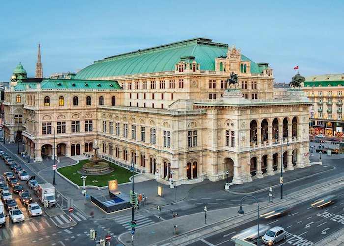 Венская опера делает репетиции публичными
