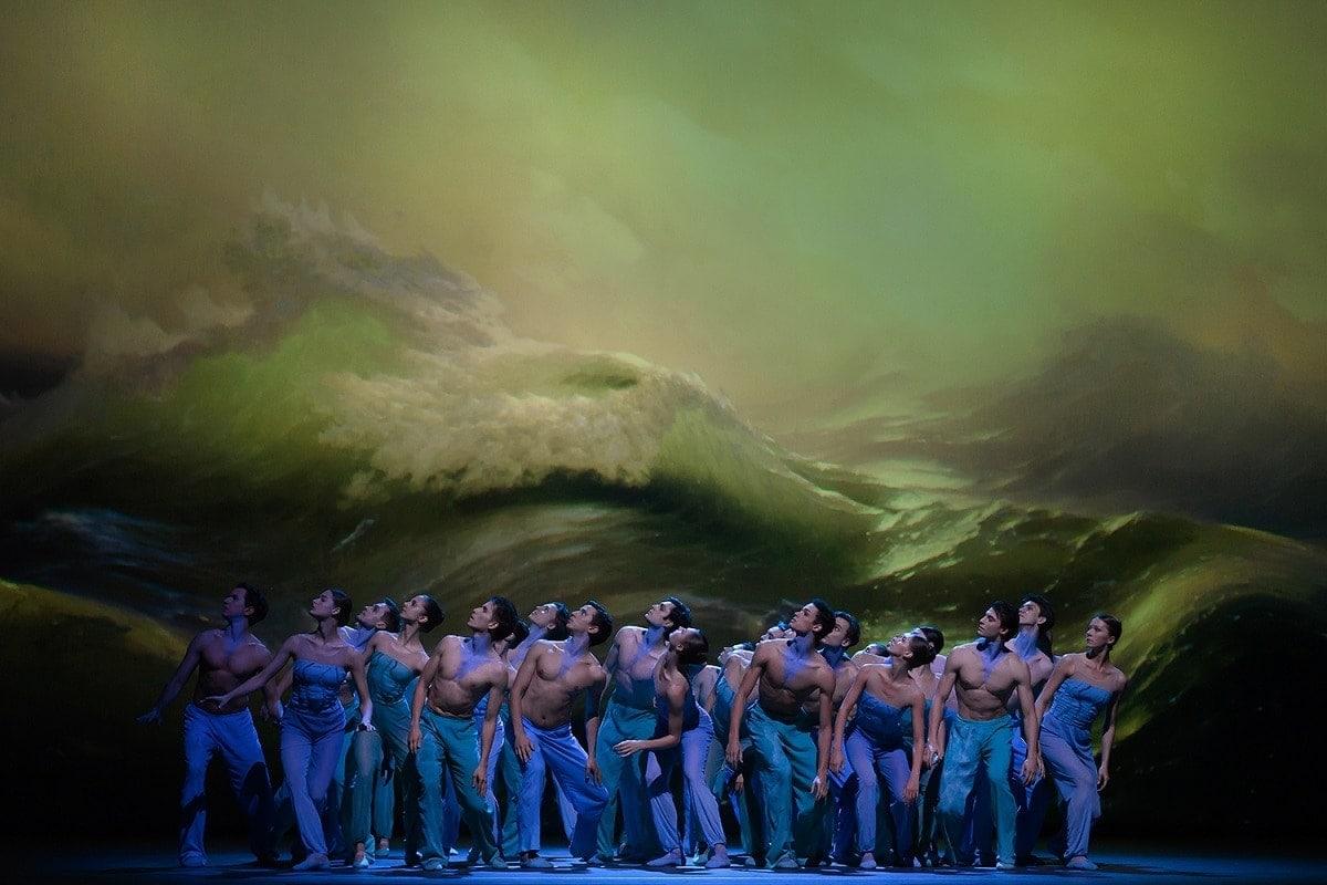 «Девятый вал». Сцена из балета. Фото - Наталья Воронова