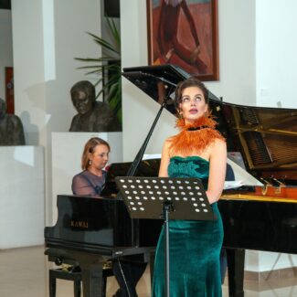Ксения Башмет, Ольга Толкмит. Фото - Андрей Мустафаев