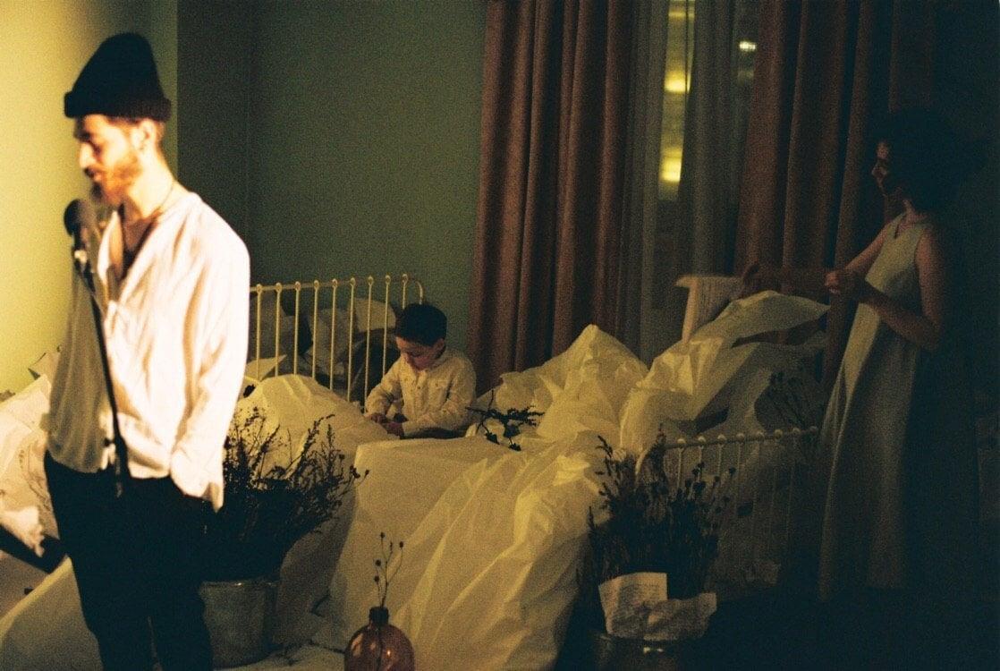 Перформанс на тему бессонницы, Малый зал Московской консерватории. Фото — Ольга Дубровицкая