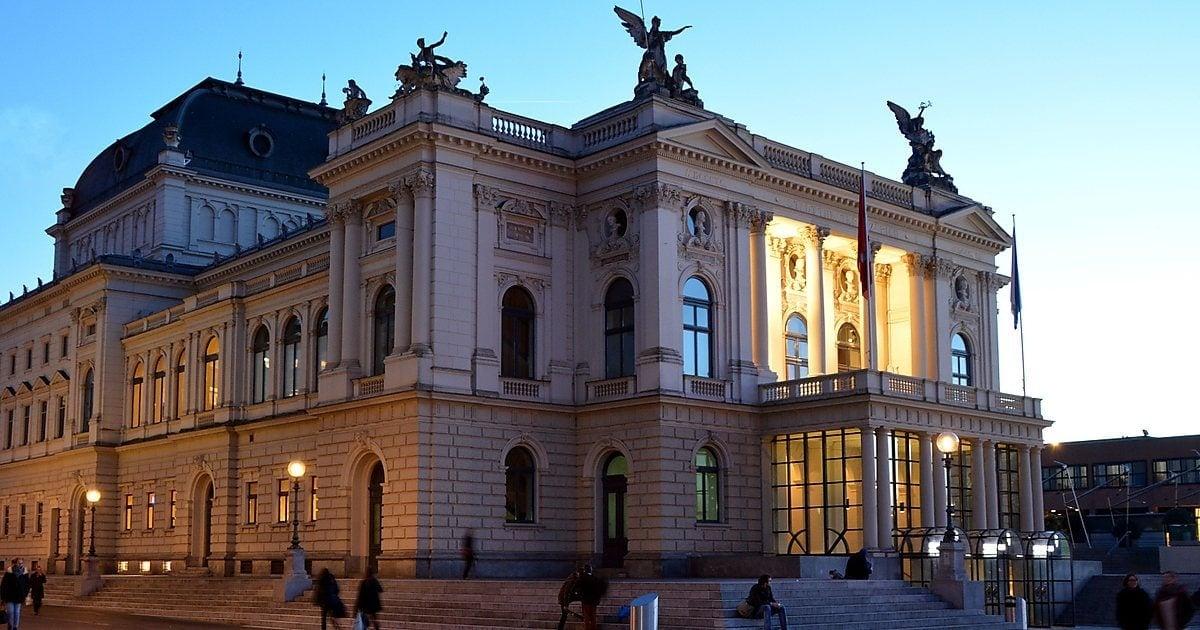Цюрихская опера посадит оркестрантов в километре от зрителей