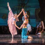 """Сцена из балета """"Корсар"""" в постановке Морихиро Ивата"""
