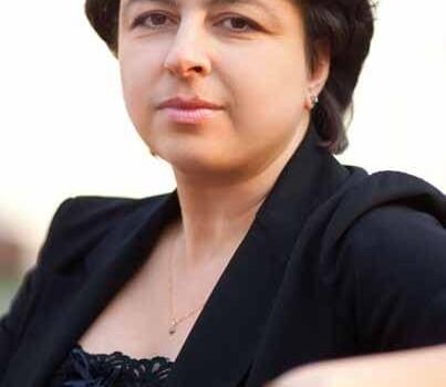 Регина Саркисова
