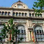 Каталония открывает театры