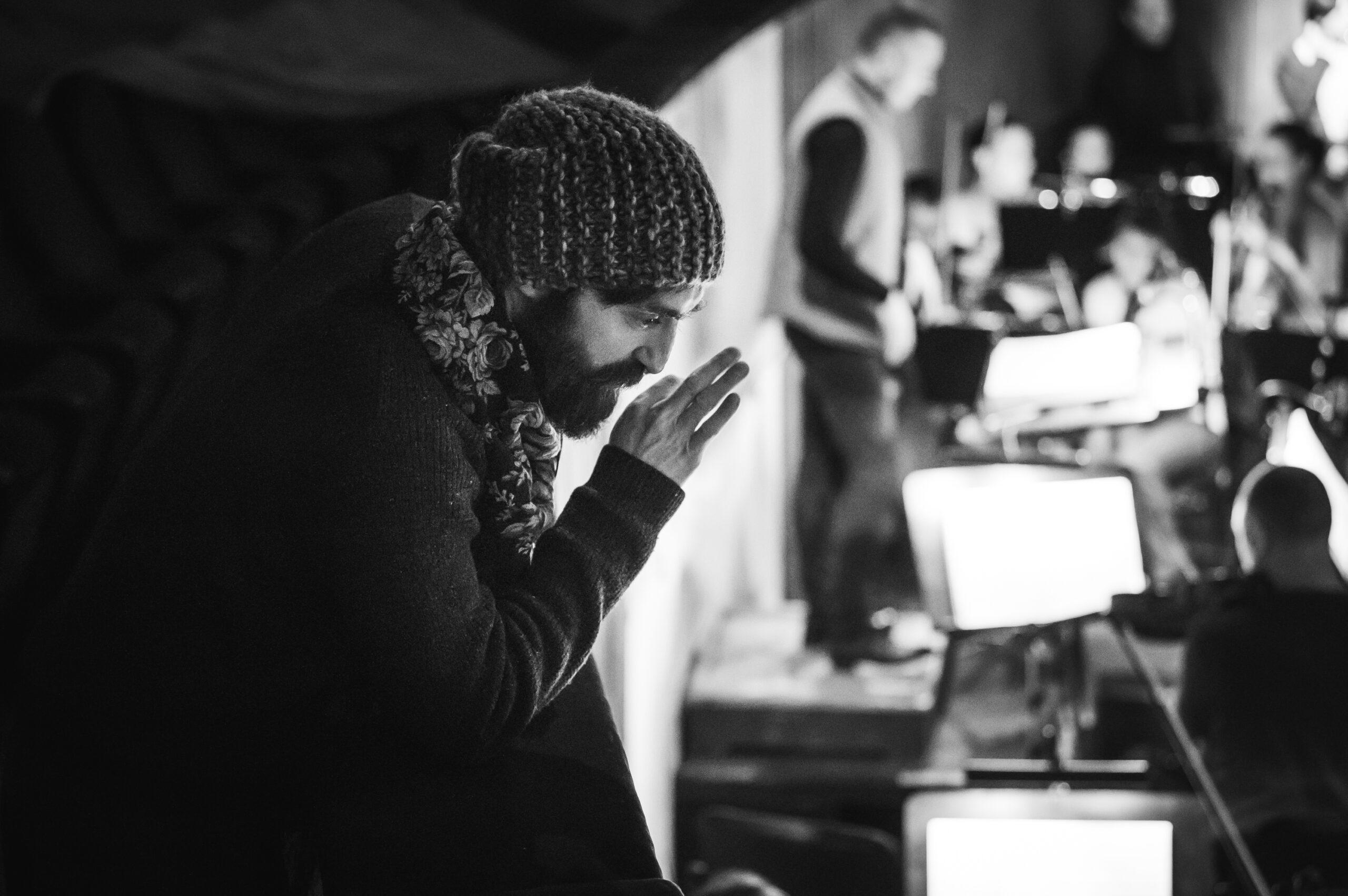 Марат Гацалов на репетиции. Фото - Андрей Чунтомов