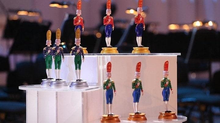 در 8 دسامبر ، رای گیری پیامکی برای شرکت کنندگان در مسابقه