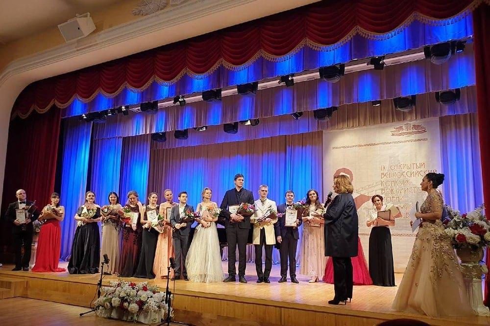 رقابت اوبوخوا نتایج را خلاصه کرد