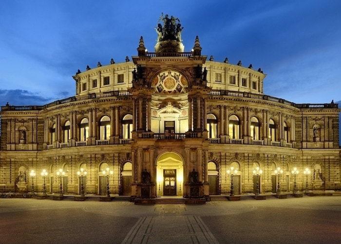Дрезденская опера закрывает двери до весны