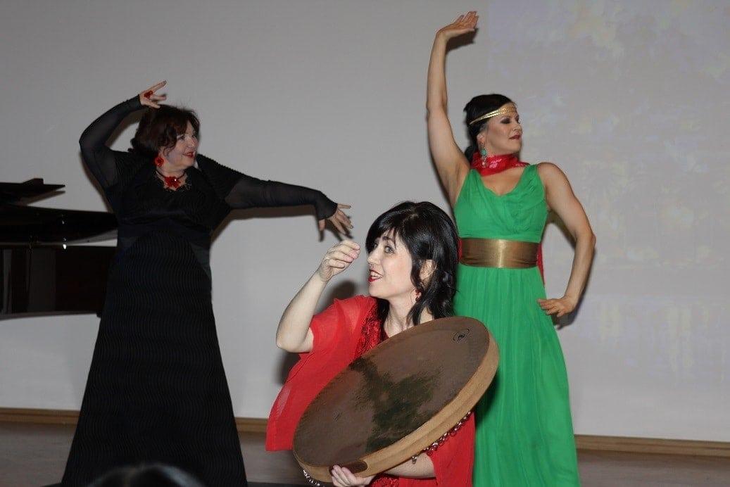 Сцена из спектакля «Испанская баллада»