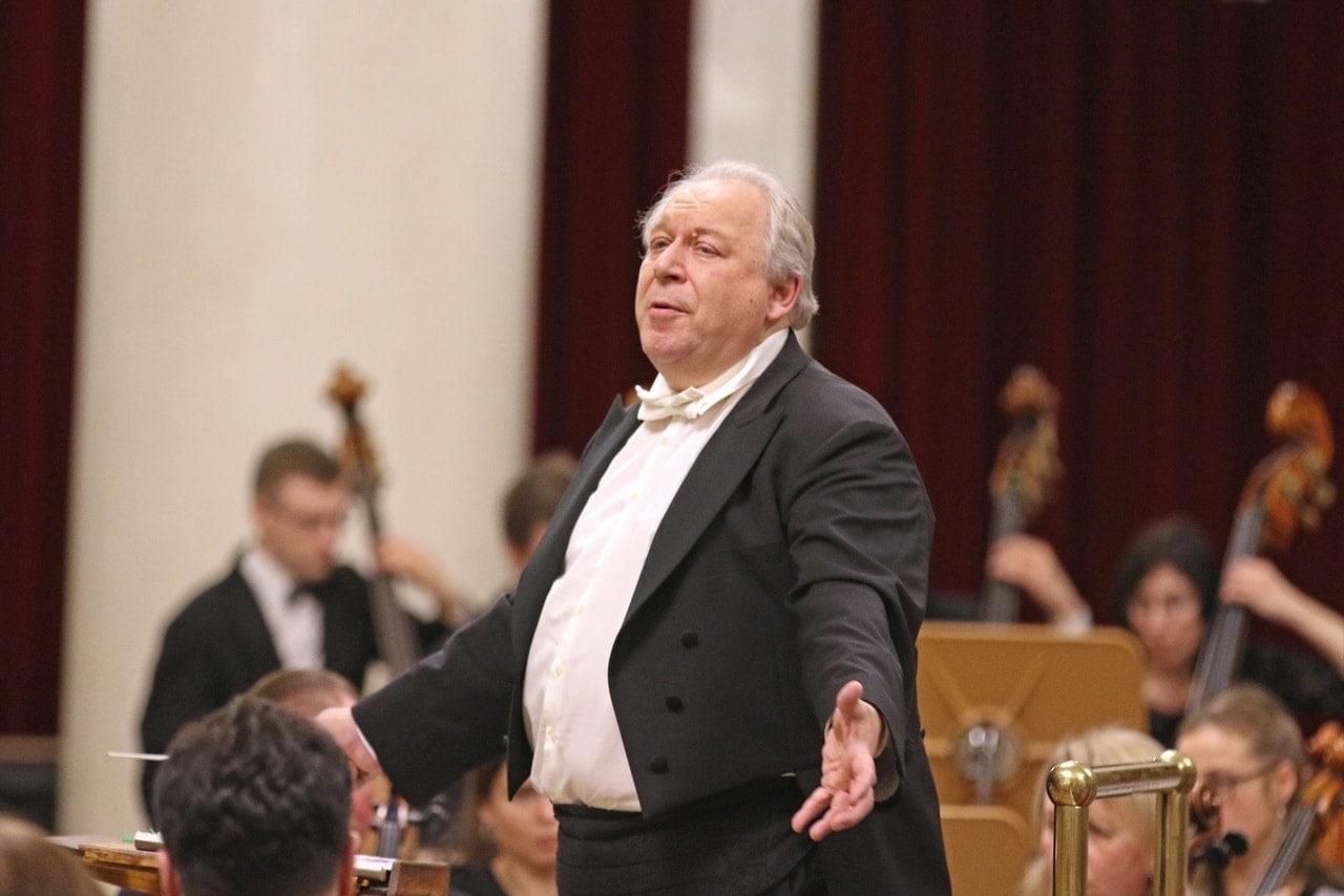 Александр Титов