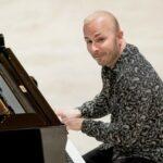Янник Незе-Сеген готовит дебютный альбом