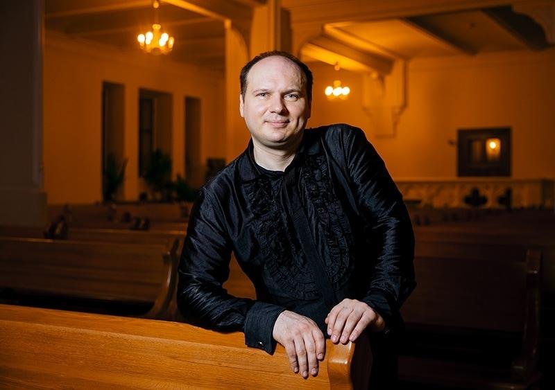 Олег Романенко