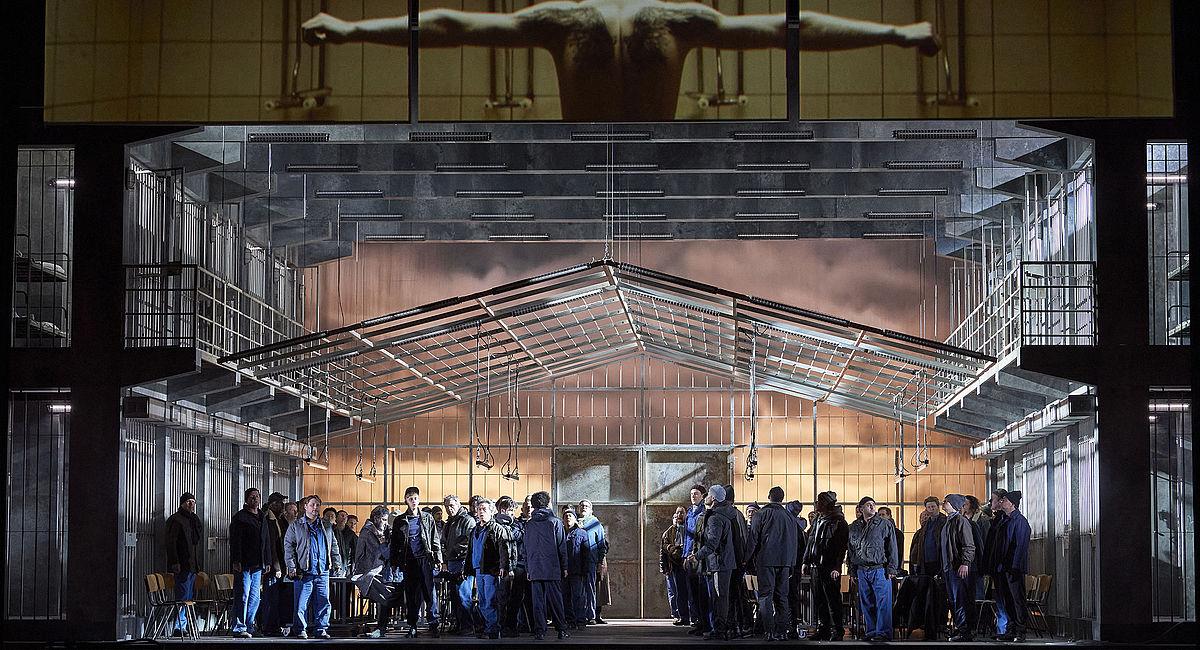 """Сцена из спектакля """"Парсифаль"""". Фото с сайта театра"""