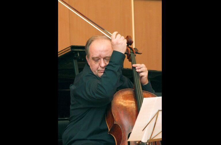 Ушел из жизни виолончелист Алексей Селезнев