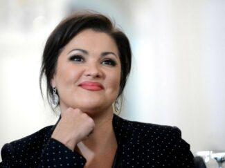 Анна Нетребко