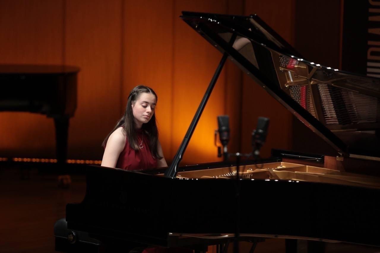 Ноа Капелюшник во время выступления на первом туре Grand Piano Competition. Фото - Владимир Гердо