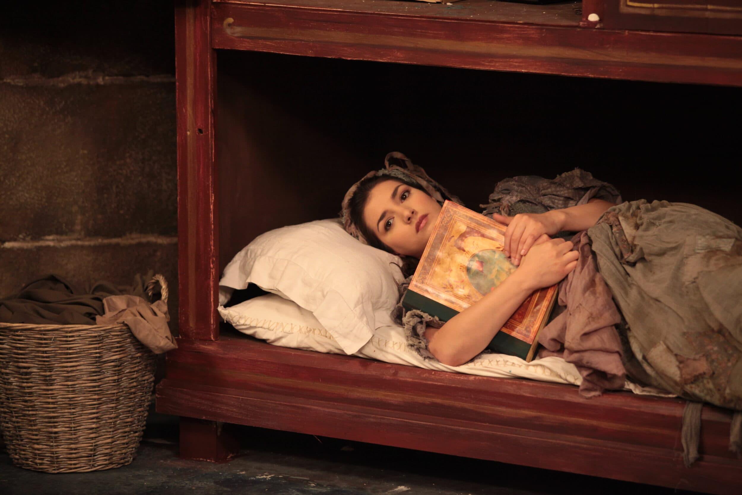Лена Белкина - Золушка в одноименной опере Дж. Россини