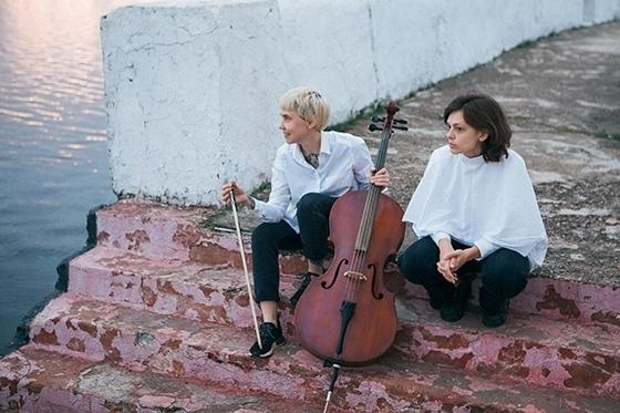 Алина Онуфриенко и Саша Виноградова. Фото - Алиса Рейхтман