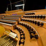Современный цифровой органный комплекс фирмы «Флойгельс»
