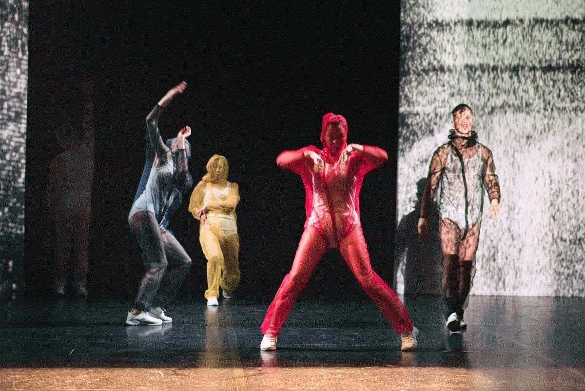 Сцена из балета FN. Фото - Ирина Григорьева