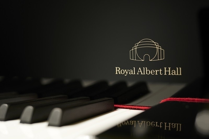 Steinway & Sons создали лимитированную серию роялей «Steinway Royal Albert Hall Limited Edition». Фото - Andy Paradise