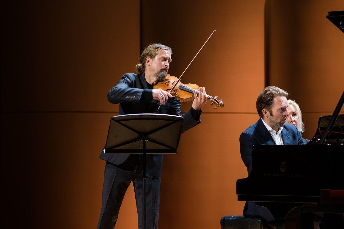 Кристиан Тецлафф и Лейф Ове Андснес. Фото предоставлено пресс-службой Московской филармонии
