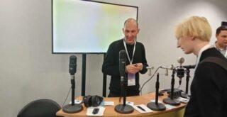 На симпозиуме в Москве показали отечественную технику звукозаписи. Фото - Елена Сердечная