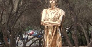 Памятник Марии Каллас