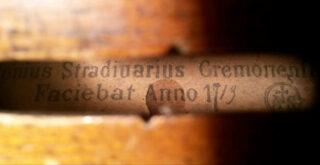 В Молдавии изъяли скрипку Страдивари